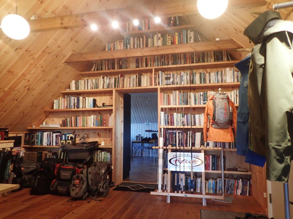 Mortens fantastiska boksamling.