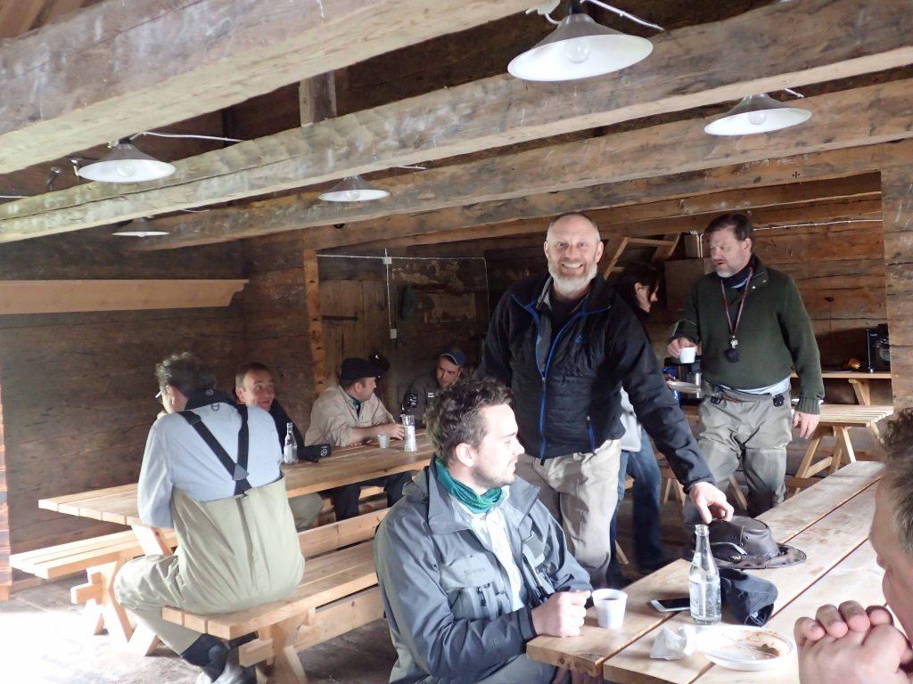 Lunch i härbret Foto: Niklas Dahlin